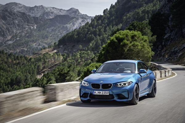 P90199689_lowRes_the-new-bmw-m2-10-20